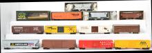 18 2 rail O scale freight cars Atlas, Weaver, All Nation, etc