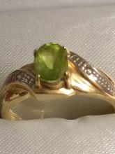 Estate Gold Lady's Peridot Ring