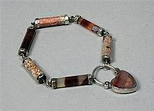 A Victorian Scottish agate set bracelet