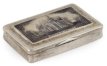 A Continental silver and gilt niello decorated snuff box 8cm wide