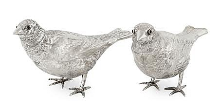 A pair of Continental bird formed pepperettes 14.5cm long, combined weight 7.6oz