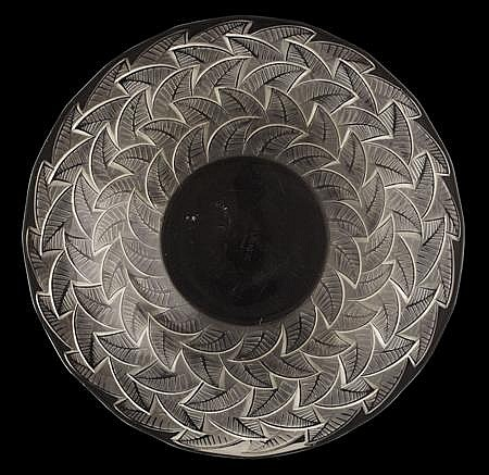 R. LALIQUE 'ORMEAUX' PATTERN CLEAR AND FROSTED GLASS PLATE, INTRODUCED 1931 31.5cm diameter