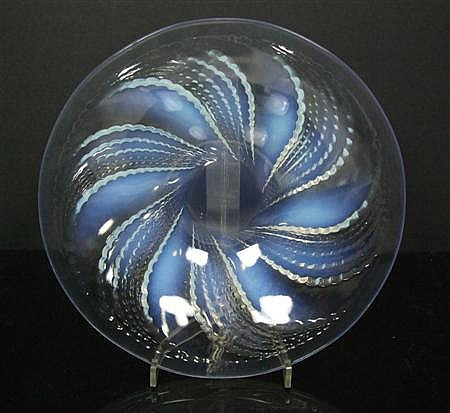 R. LALIQUE 'FLEURONS NO.2' PATTERN OPALESCENT GLASS BOWL, INTRODUCED 1935 25.3cm diameter