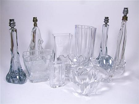 GROUP OF GLASS WARES, CIRCA 1950