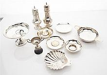 A group of silver items to include Combined weight: 31oz