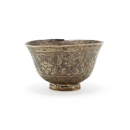 CHINESE SILVER AND GILT TEA BOWL 4.5cm high, 55.3g