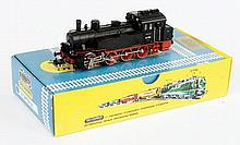 Trix International HO Gauge 2-rail Tank loco