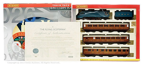Hornby (China) OO Gauge, R2888M The Flying