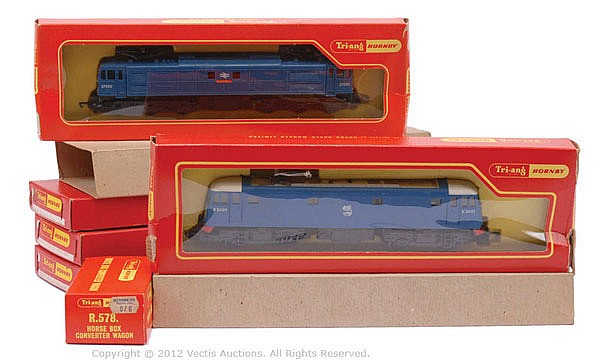 GRP Triang Hornby R3151 Co-Co Class EM2 Twin