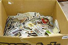 MIXED LOTS OF CIGARETTE CARDS AND TEA CARDS