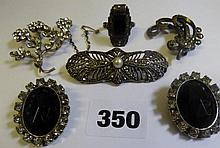 ASSORTMENT OF UNMARKED WHITE METAL DRESS JEWELLERY