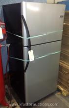 Frigidaire Refrigerator/Freezer with Ice Maker